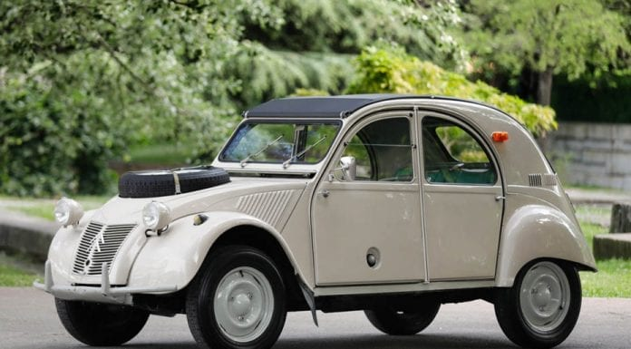 "A Double Starter – 1964 Citroën 2CV Sahara 4×4 to be auctioned by Gooding & Company at their Pebble Beach 2019 sale on 16th and 17th August 2019 with no reserve, estimate: £74,000 to £99,000 ($90,000 to $120,000, €80,000 to €107,000 or درهم331,000 to درهم441,000) – Rare 1964 Citroën 2CV Sahara 4×4 complete with two starters to be auctioned; it was originally designed to be a ""low priced car"" but is now anything but."
