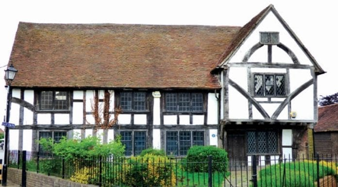 A House of Hide – Tanyard House, 92 High Street, Edenbridge, Kent, TN8 5AR – To be auctioned by Savills with an estimate of £415,000 ($536,000, €477,000 or درهم1.97 million) on 19th June 2017.