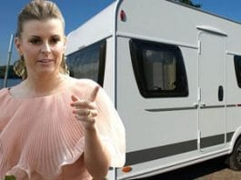Caravan Coleen - Wayne and Coleen Ronney buy a caravan – They should have bought the entire park