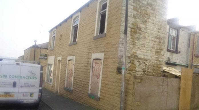 As cheap as chips – 5 bedroom property in Springfield Road, Burnley, Lancashire, BB11 for sale for just £25,000 with Joseph Properties