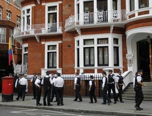Ecuadorian Embassy in London Flat 3B 3 Hans Crescent London SW1X 0LS FI 1