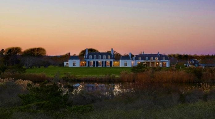 Pricey on the Pond – Fordune, 90 Jule Pond Drive, Southampton, NY 11968, United States of America – Listed for sale for £136 million ($175 million, €147 million or درهم643 million) in 2017 with Bespoke Real Estate – Owned by financier Brenda Earl.