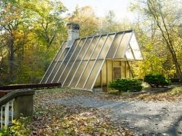 A Tremendous Triangle – Iconic modernist house at 160 Mill Road, New Canaan, Fairfield County, Connecticut, CT 06840, USA – Sixth of the Harvard Five architect John Black Lee (1924 – 2016) – The Triangle House – Originally priced at £1.2 million ($1.5 million or €1.4 million or درهم‎‎5.5 million) and has now been reduced by 60% to just £471,000 ($750,000 or €658,000 or درهم‎‎2.8 million)