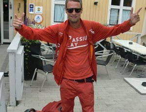 Red trousers FI 1