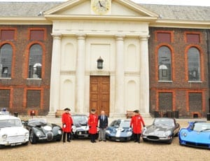 Stirling Moss and Chelsea Pensioners courtesy Paul West Photography 1