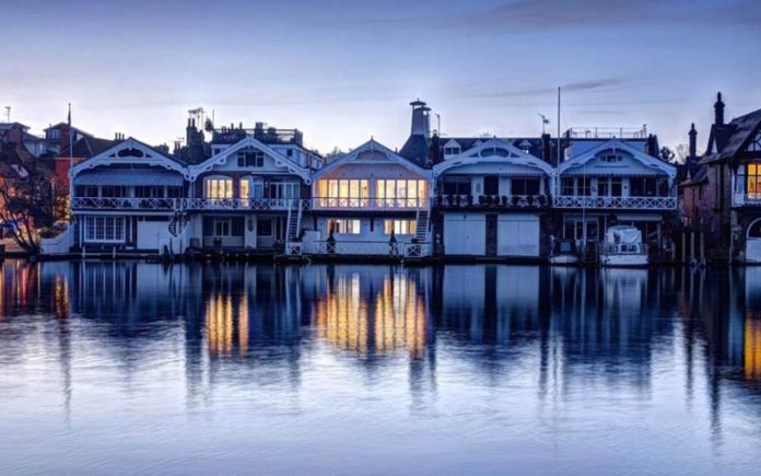 Messing About On The River – Boat house on the River Thames at Henley for sale for £3.5 million ($4.8 million, €3.9 million or درهم17.8 million) through Knight Frank – The Boat House, 4 Wharfe Lane, Henley-on-Thames, Oxfordshire, RG9 2LL, United Kingdom