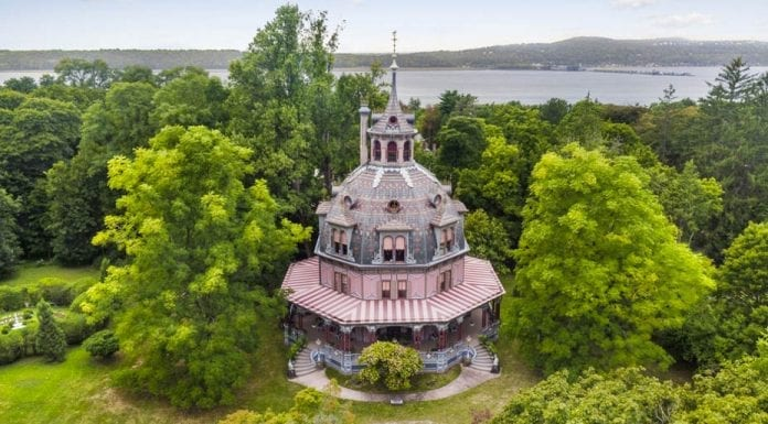 The Icing on the Cake – Armour-Stiner Carmer Octagon House, 45 West Clinton Avenue, Irvington, Westchester County, New York, NY 10533, United States of America – To rent for £30,300 per month ($40,000, €33,200 or درهم147,000 per month) through William Pitt Sotheby′s International Realty