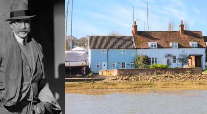 We Didn't Mean to Go to Sea – £600,000 cottage in Pin Mill, Suffolk – Charming waterfront cottage in Suffolk riverside hamlet associated with sailing, smuggling, Arthur Ransome and 'Lovejoy' for sale through Jackson-Stops – Sam's Cottage, Pin Mill Waterfront, Pin Mill, Ipswich, Suffolk, United Kingdom, IP9 1JP – £600,000 ($777,000, €695,000 or درهم2.9 million).