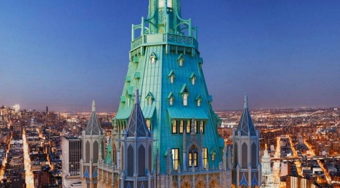 "A Castle of Commerce – £60.3 million ($79 million, €70.6 million or درهم290.1 million)for penthouse at Woolworth Tower Residences, Woolworth Building, 2 Park Place, 233 Broadway, New York, United States of America – Penthouse in ""the cathedral of commerce"" that is the Woolworth Building in NYC for sale for £60min spite of just being a raw space."