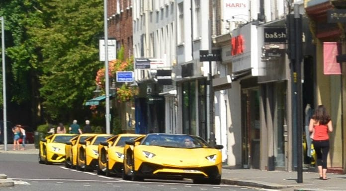 Gaining a Lambo (or five) – Convoy of five yellow Lamborghinis spotted cruising around Kensington and Chelsea. Ostentatious or what?