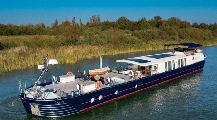 A Savvy Pad – £2.5 million for Peter de Savary's motor yacht – Unusual river barge and motor yacht combo owned by Peter de Savary for sale through River Homes; it is currently moored at Cadogan Pier in Chelsea.
