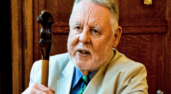 Hero of the Hour – Terry Waite – Former hostage Terry Waite wisely tells the nation to keep their dignity, structure their day, become creative and be grateful during the coronavirus lockdown.
