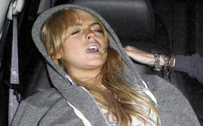 Moron of the Moment – Lindsay Lohan Washed-up wench Lindsay Lohan sinks to a new low during coronavirus crisis and attempts to relaunch her tawdry self on April Fool's Day.