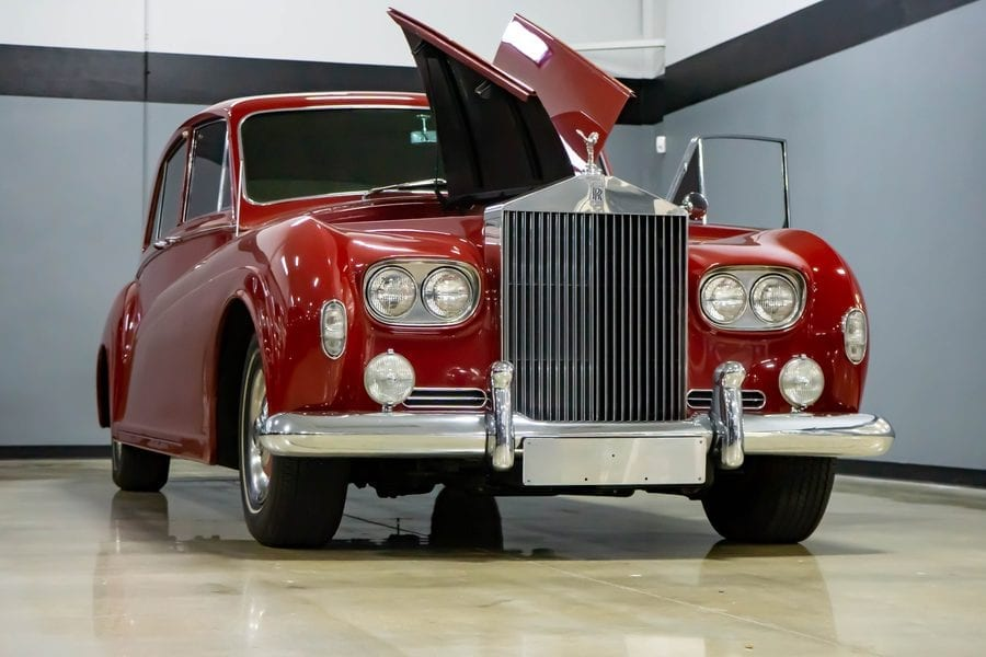Roy Clark's Roller – 1964 ex-Roy Clark Rolls-Royce limousine to be sold – 'I Never Picked Cotton' singer Roy Clark's Rolls-Royce heads to auction complete with suicide and emblazoned with his initials in gold leaf – RM Sotheby's will sell the Rolls-Royce – which is currently located in Austin, Texas – as part of their 21st to 29th May 'Driving Into Summer' online sale. They have set an estimate of £49,000 to £57,000 ($60,000 to $70,000, €55,000 to €64,000 or درهم220,000 to درهم257,000).
