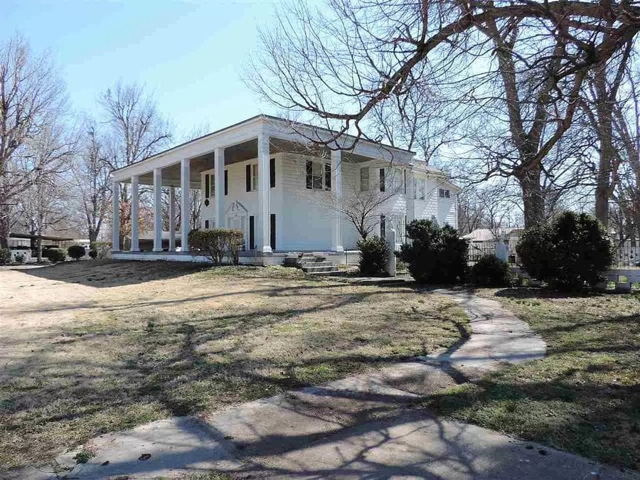 Gone with the Wind (on a Bargain Basement Budget) – 221 Poplar Street, Ridgely, Lake County, Tennessee, TN 38080, United States of America – 'Antebellum style' residence in Tennessee that looks like a 'bargain basement budget' 'Gone with the Wind' house for sale for just £128,000 ($179,900, €150,100 or درهم660,700) or the equivalent of £36 per square foot ($50, €42 or درهم184 per square foot) by agents Carousel Realty of Dyer County.